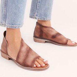 NWT Free People Mont Blanc Taupe Leather Sandals